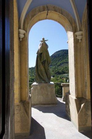 Notre Dame de la Consolation, Pierrelongue