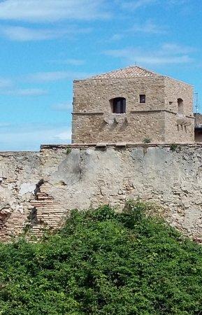 Torre Baglioni: vista mura e torre