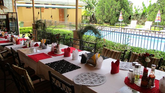 Fort Portal, Ουγκάντα: Ready for Lunch by the pool.