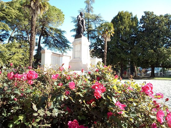 Monumento ai Caduti della Prima e della Seconda Guerra Mondiale