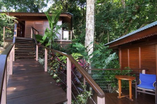 Bayview Heights, Australien: Two private bungalows with rainforest views