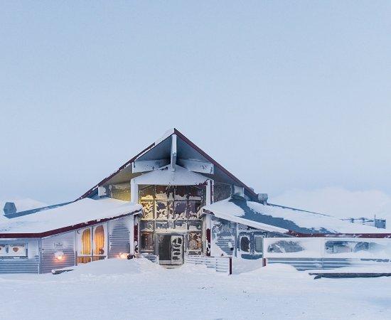 Radisson Blu Polar Hotel, Spitsbergen, Longyearbyen: Radisson Blu Polar Hotel on a lovely winter day