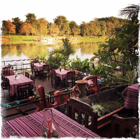 Paak Dang Riverside Dining