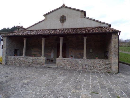 Firenzuola, Italie : Facciata e portico