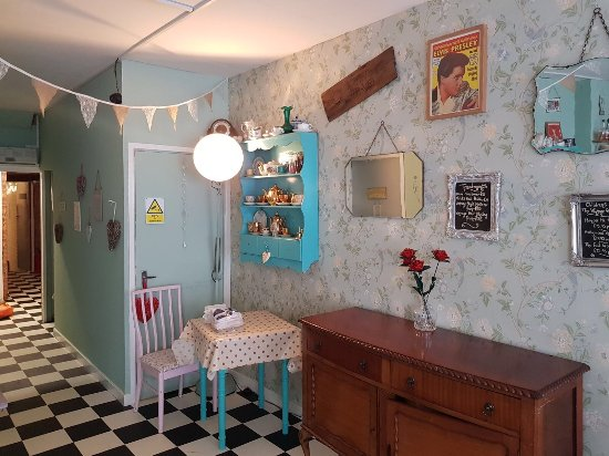 The Vintage Powder Room & Tea Shop - Picture of The Vintage Powder ...