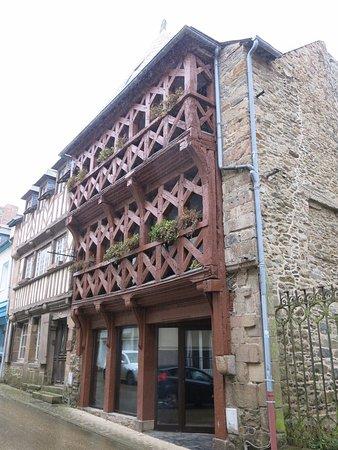 Treguier, Francia: Autre maison à pan de bois.