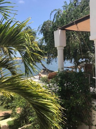 Peponi Hotel: Looking towards the water