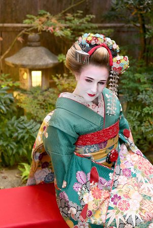 Manage somehow. blonde geisha girl