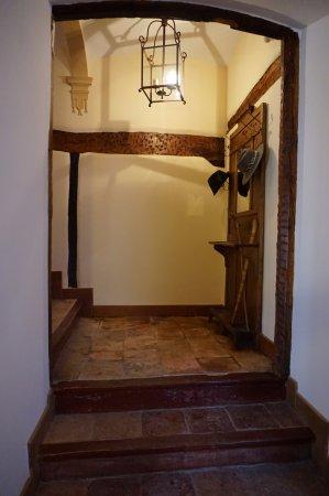 Hotel Arganzon PLAZA: Escaleras hacia las suites
