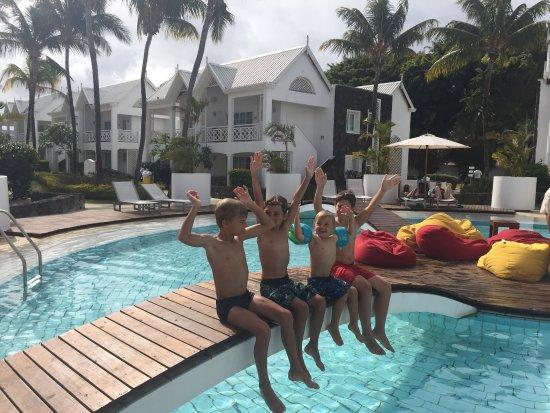 Adult lifestyle resorts