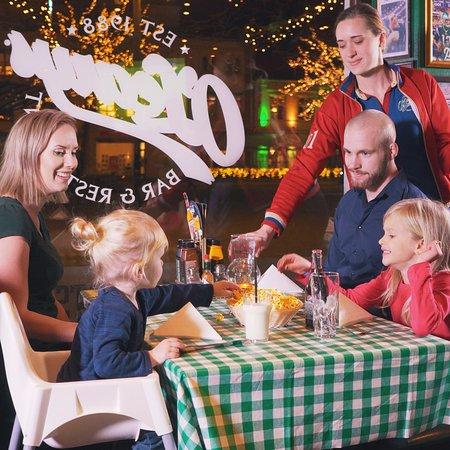 O'Learys Lund Shuffleboard: Familj