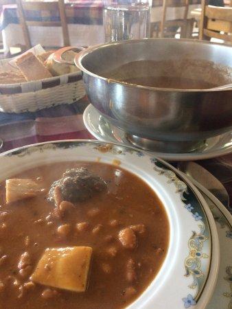 Мутрику, Испания: Las riquísimas y reconfortantes alubias