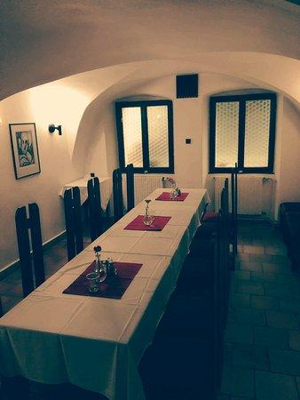 Restaurace Rachel: Salonek pro 16 osob - vhodné pro firemní večírky a oslavy