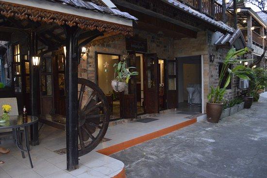 Baan Thai Homestay By BGb Villas Phuket Thailand