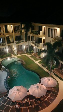 Kuta Townhouse Apartments: IMG_20171109_204957_large.jpg