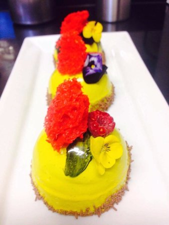 The Killarney Park Hotel: Desserts in Park Restaurant prepared by Chef Dinesh
