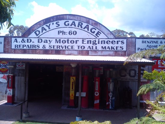 Herberton, Australia: vintage vehicles galore