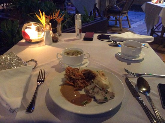 Fridays Boracay: photo0.jpg