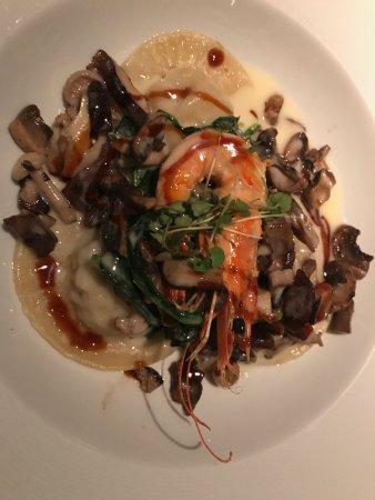 Hoku's: Shellfish Ravioli with mushrooms and prawn.