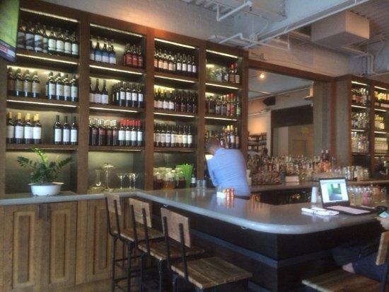 North Italia: The Bar
