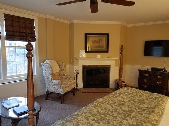 Swift House Inn: 20171109_153401_large.jpg
