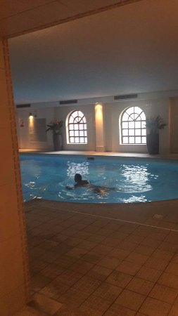 Brandshatch Place Hotel & Spa: Spa pool