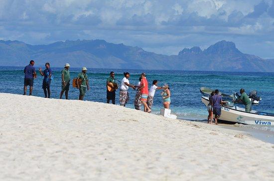 วิวา ไอส์แลนด์ รีสอร์ท: Arrival at Viwa Island