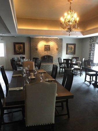 Kemptville, Canadá: Castle View Fine Dining Area