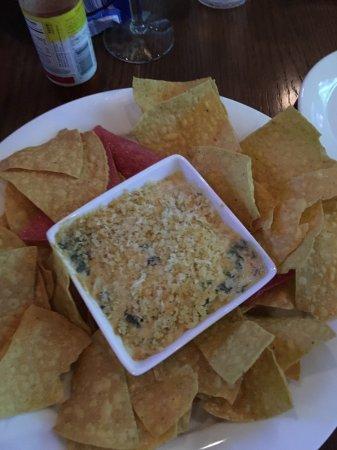 Hickory Tavern: Chips & Dip