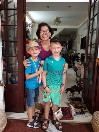 Diep Anh Guesthouse : My boys with the owner!