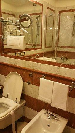 Hotel Giulio Cesare: 20170928_104951_large.jpg