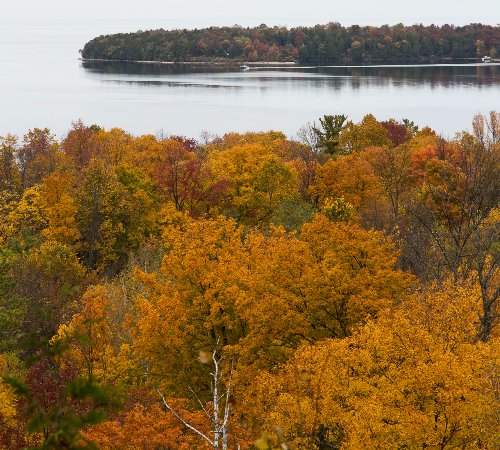 Fish Creek, WI: Fall color overlooking Green Bay.