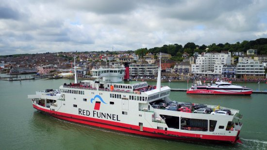 ‪Red Funnel Ferries‬