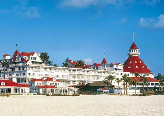 Hotel del Coronado: Hotel Exterior