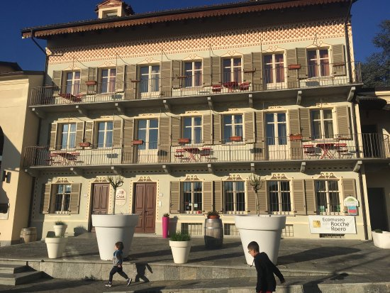 Monta, Italy: Cssa Americani front