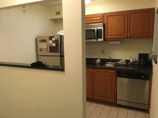 Residence Inn Washington, DC/Foggy Bottom : nice, large kitchen