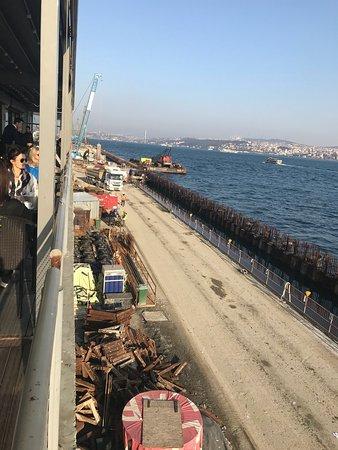 Istanbul Modern: photo1.jpg