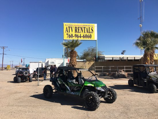 Salton City, Californië: Great equipment at American ATV rentals. And a couple shots from The North Face photo shoot on e