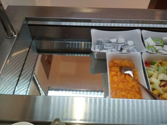 Novotel Sheffield Centre: Late Breakfast Set Up