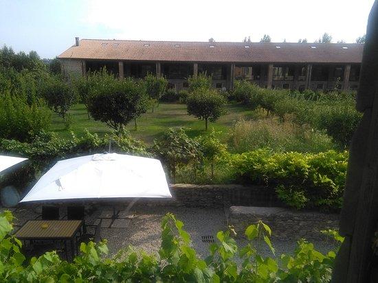 Sona, Itália: Gli appartamenti terratetto di fronte al Relais