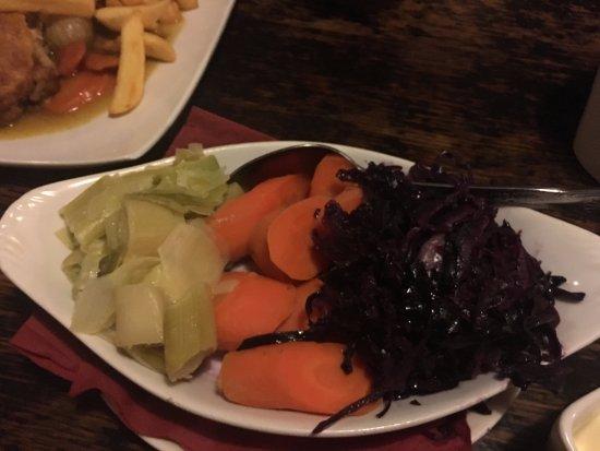 Square & Compass Pub Ashill: Fresh seasonal veg