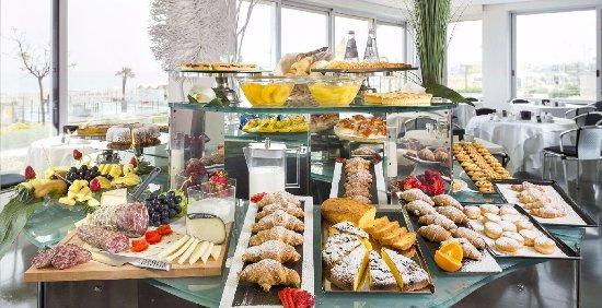 Colazione A Buffet Picture Of Gran Paradiso Hotel Spa San Giovanni Rotondo Tripadvisor