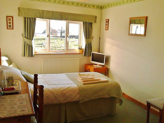 Shepton Mallet, UK: Single en-suite room overlooking fields