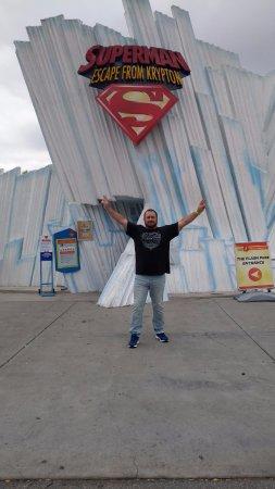 Santa Clarita, CA: Superman