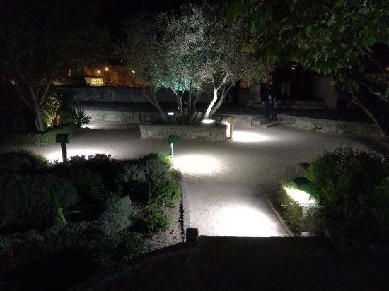 Jardín el Huerto de Calixto y Melibea: IMG_20171110_202807_large.jpg