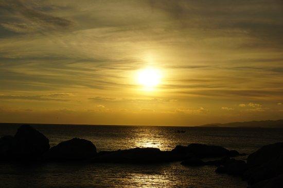Mikri Vigla Beach : sunset views