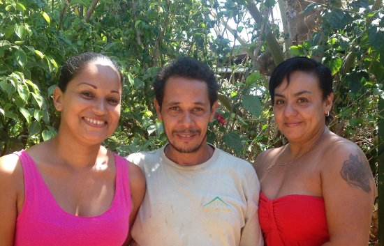 Villa Mango: Shirley, Rafa and Marilyn, here to make your stay as comfortable and pleasant as possible.