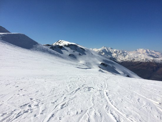 Ossun-ez-Angles, France: 6 ski resorts all within 1 hours driving from the house.