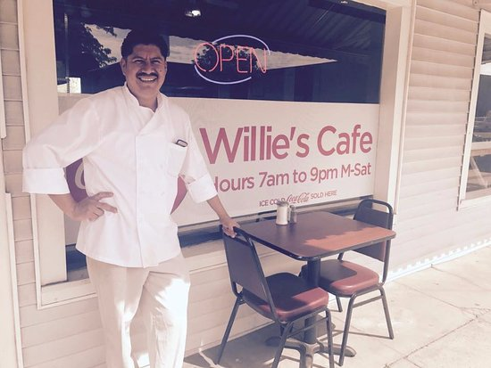 Reedley, CA: Willie's Cafe