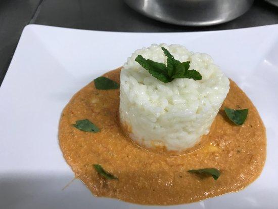 Fondachelli Fantina, อิตาลี: riso carnaroli su crema di prugnolo e mentuccia